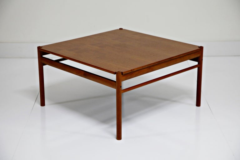 Reversible Teak & Formica Coffee Tables by Ole Wanscher for Poul Jeppesen For Sale 1