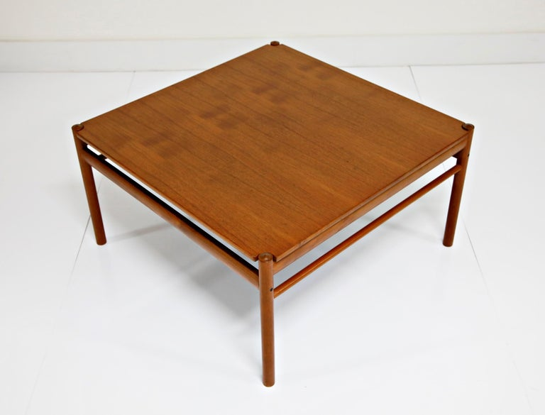 Reversible Teak & Formica Coffee Tables by Ole Wanscher for Poul Jeppesen For Sale 2