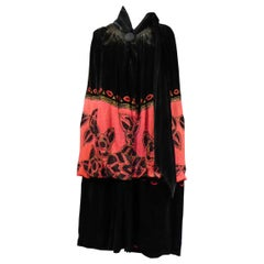 ​​​​​​​Revillon Frères Art Deco Couture Embroidered Velvet Evening Cape C. 1925