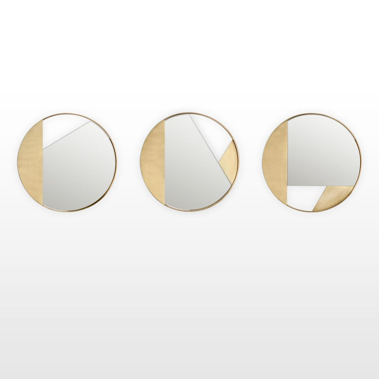 Contemporary Revolution N03 55, 21st Century Round Wall Mirror in Natural Brass For Sale