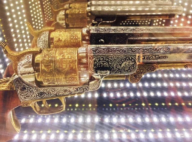 Revolver Infiny Wall Decoration Mirror with Led Lights In New Condition For Sale In Paris, FR