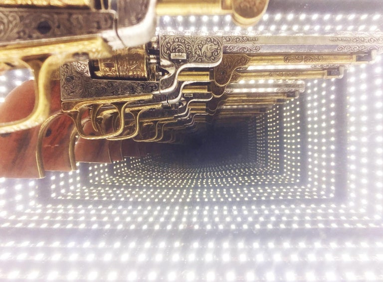 Contemporary Revolver Infiny Wall Decoration Mirror with Led Lights For Sale