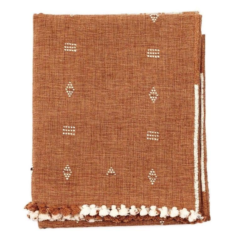 Modern REYTI Earthy Minimal Pattern Handloom King Bedspread Coverlet in Organic Cotton For Sale