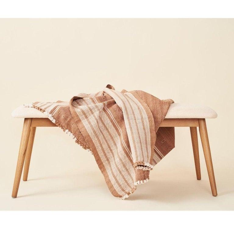 Reyti Earthy Minimal Pattern Handloom Queen Bedspread Coverlet in Organic Cotton For Sale 3