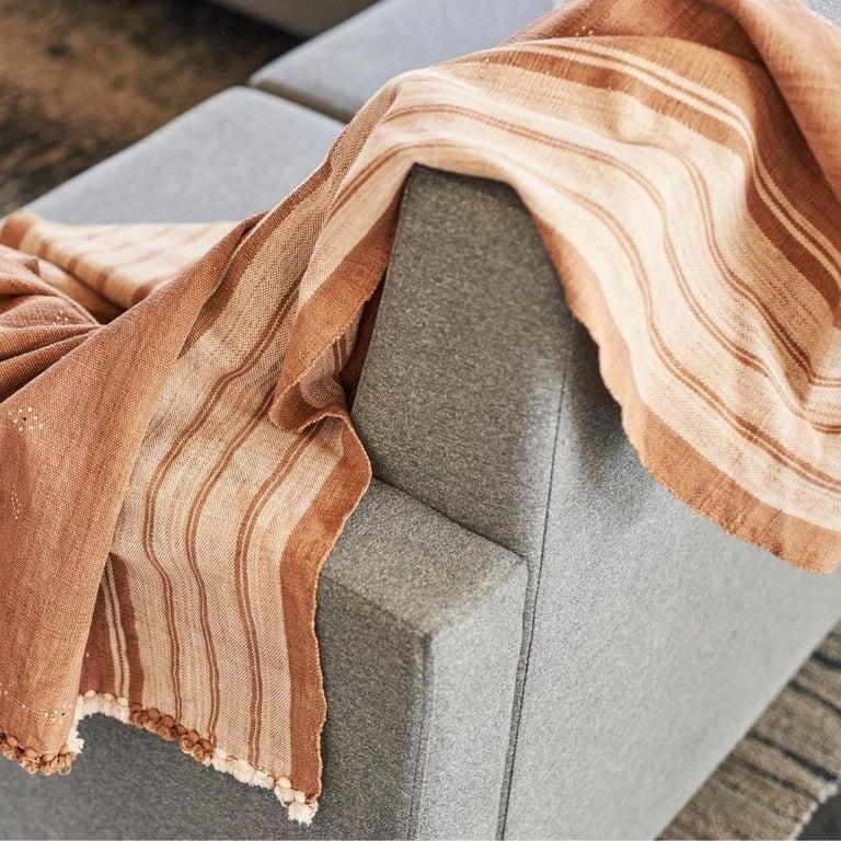 Modern Reyti Earthy Minimal Pattern Handloom Queen Bedspread Coverlet in Organic Cotton For Sale