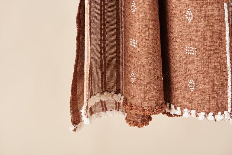 Hand-Woven Reyti Earthy Minimal Pattern Handloom Queen Bedspread Coverlet in Organic Cotton For Sale