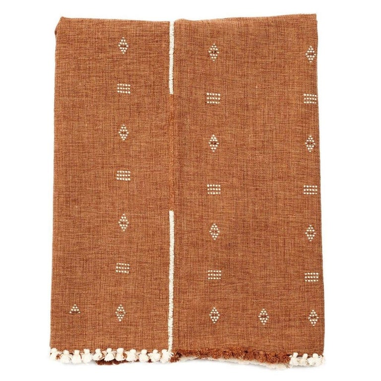 Yarn Reyti Earthy Minimal Pattern Handloom Queen Bedspread Coverlet in Organic Cotton For Sale
