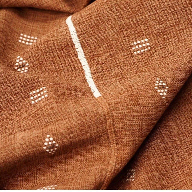 Contemporary REYTI Handloom Throw / Blanket In Organic Cotton With Minimal Patterns For Sale
