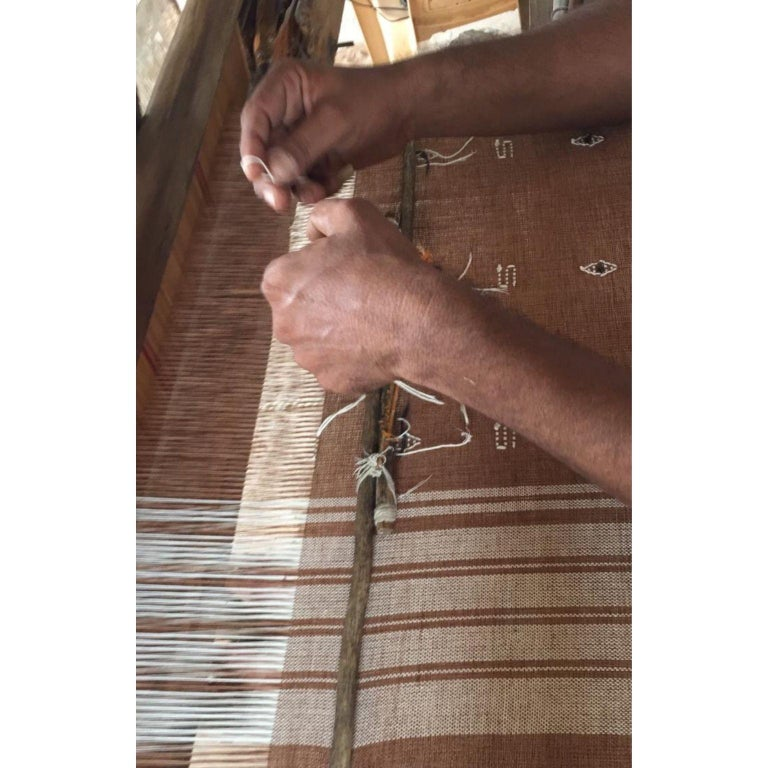 REYTI Handloom Throw / Blanket In Organic Cotton With Minimal Patterns For Sale 4