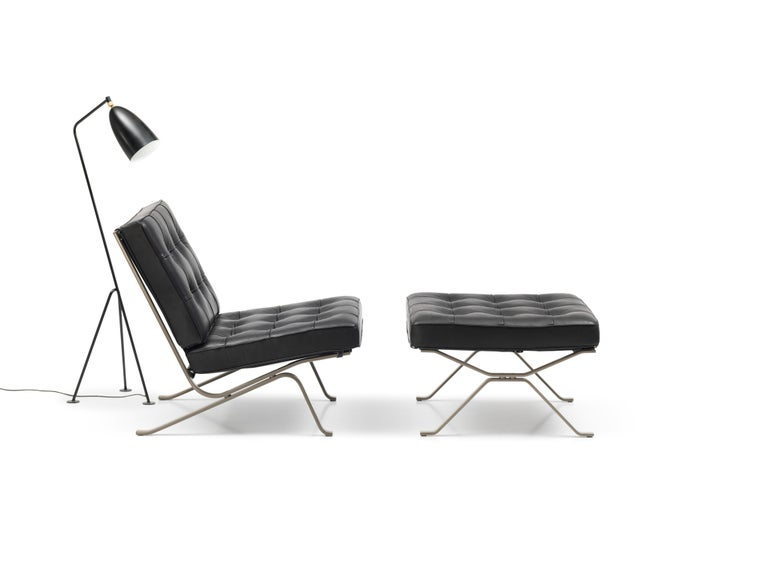 Modern RH-301 Bauhaus Leather Tufted Lounge Chair with Steel Legs by Robert Haussmann For Sale