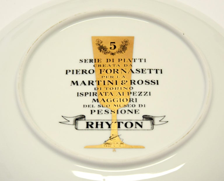Rhyton Plate for Martini & Rossi, by P. Fornasetti, 1960s In Excellent Condition For Sale In Roma, IT