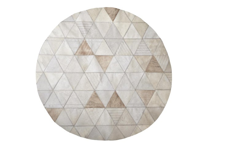 Art Deco Cream lasered Round Customizable Trilogia Cowhide Area Rug Small For Sale