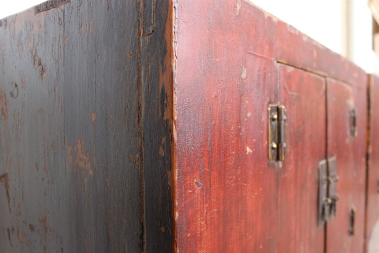 Rich Reddish Patina 19th Century Chinese Cabinet In Good Condition For Sale In Merrimack, NH
