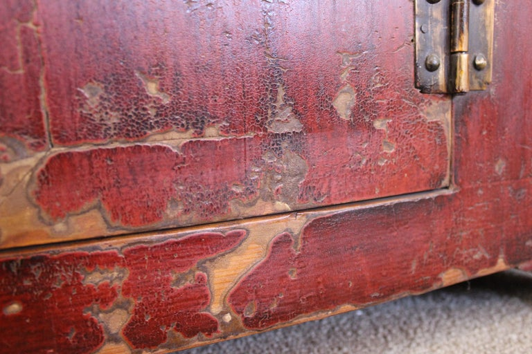 Rich Reddish Patina 19th Century Chinese Cabinet For Sale 2