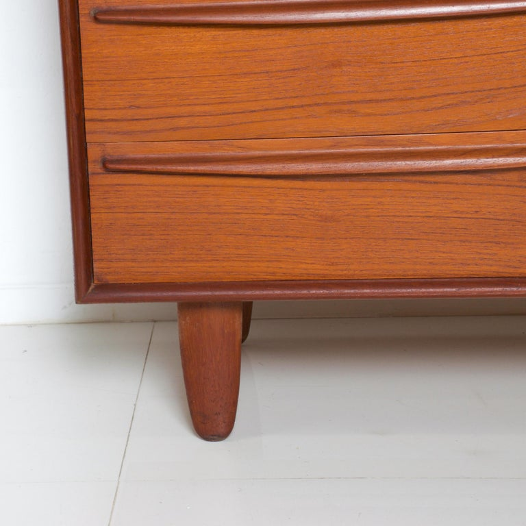 Rich sculptural Scandinavian Danish modern teak wood eight-drawer dresser 1960s by Svend Aage Madsen of Denmark No maker label apparent. Mid-Century Modern vintage Scandinavian Danish modern at its finest Beautifully built in double dovetail