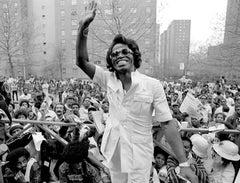 James Brown 1979 in Harlem Waiving