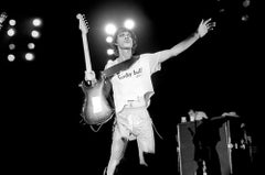 Mick Jagger on Stage in Hi Res - Stretched