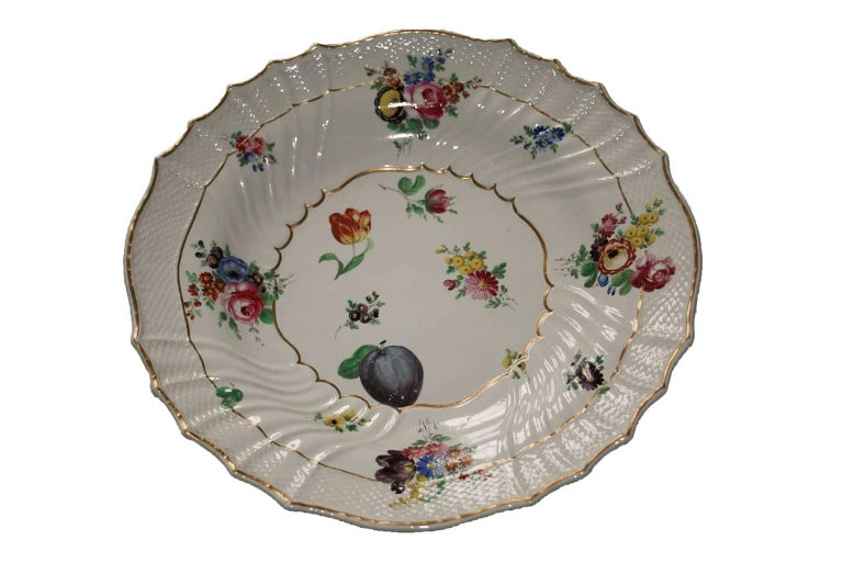 Italy Richard Ginori Mid-18th Century Porcelain Set 8 Dishes Floral Design For Sale 4