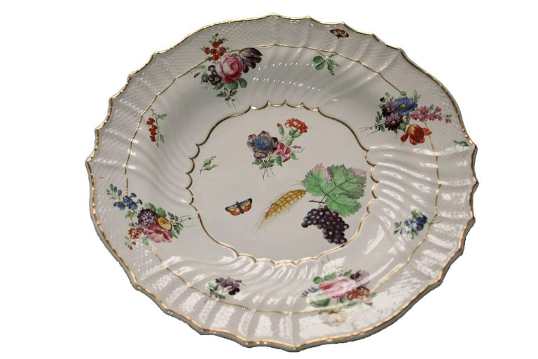 Italy Richard Ginori Mid-18th Century Porcelain Set 8 Dishes Floral Design For Sale 6