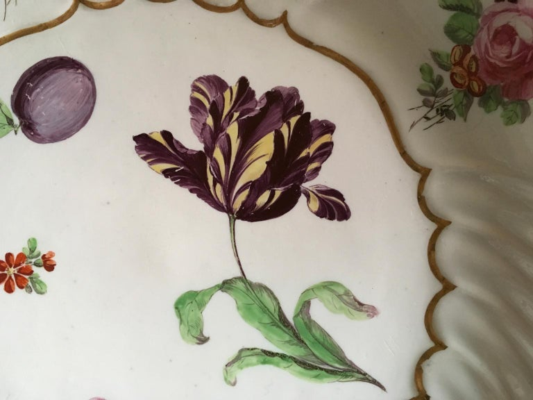 Italy Richard Ginori Mid-18th Century Porcelain Set 8 Dishes Floral Design For Sale 11