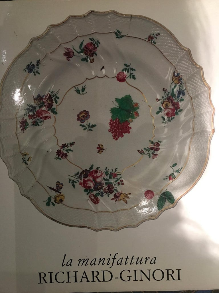 Italy Richard Ginori Mid-18th Century Porcelain Set 8 Dishes Floral Design For Sale 14