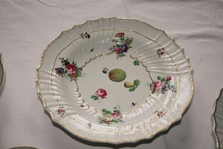 Baroque Italy Richard Ginori Mid-18th Century Porcelain Set 8 Dishes Floral Design For Sale