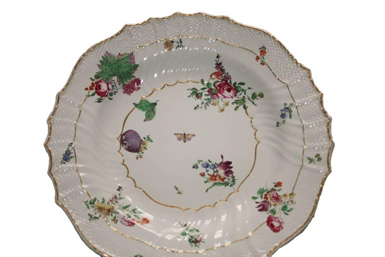 Italy Richard Ginori Mid-18th Century Porcelain Set 8 Dishes Floral Design In Good Condition For Sale In Brescia, IT