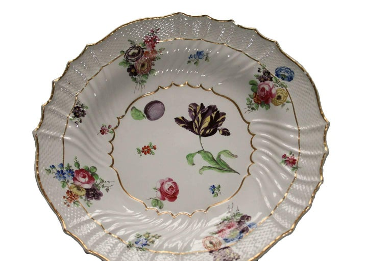 Italy Richard Ginori Mid-18th Century Porcelain Set 8 Dishes Floral Design For Sale 1