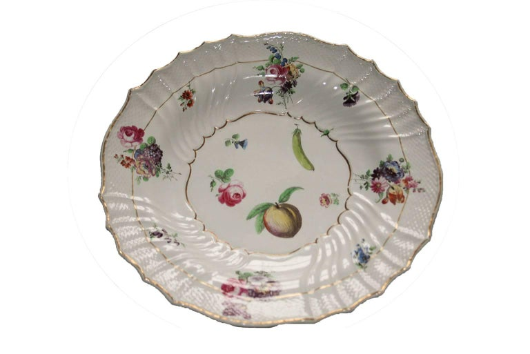 Italy Richard Ginori Mid-18th Century Porcelain Set 8 Dishes Floral Design For Sale 2