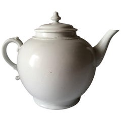 Richard Ginori Mid-18th Century Total White Porcelain Tea Pot Doccia, Italy