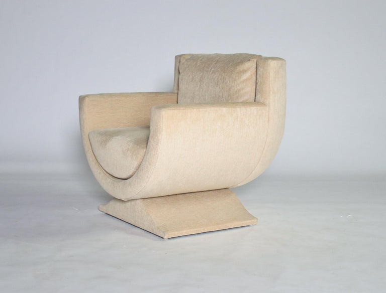 1970s Curule-form fully upholstered club chair by Richard Himmel for Interior Crafts in a textured cream/champagne color fabric.