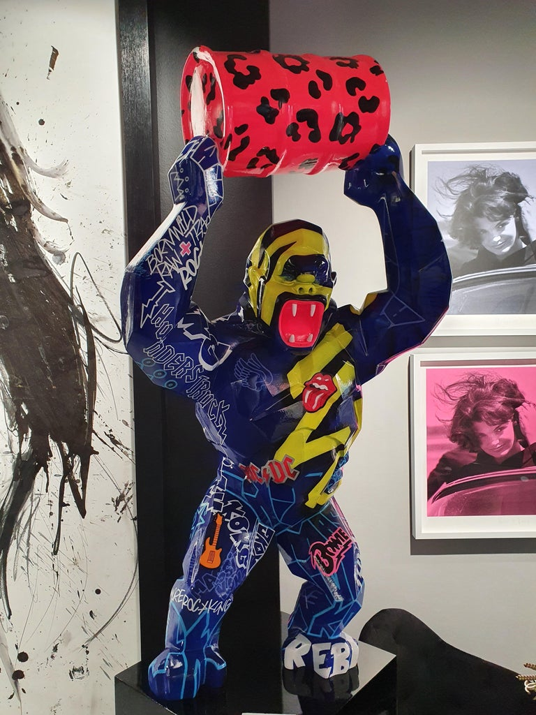 Kong Baril Tag  - Sculpture by Richard Orlinksi