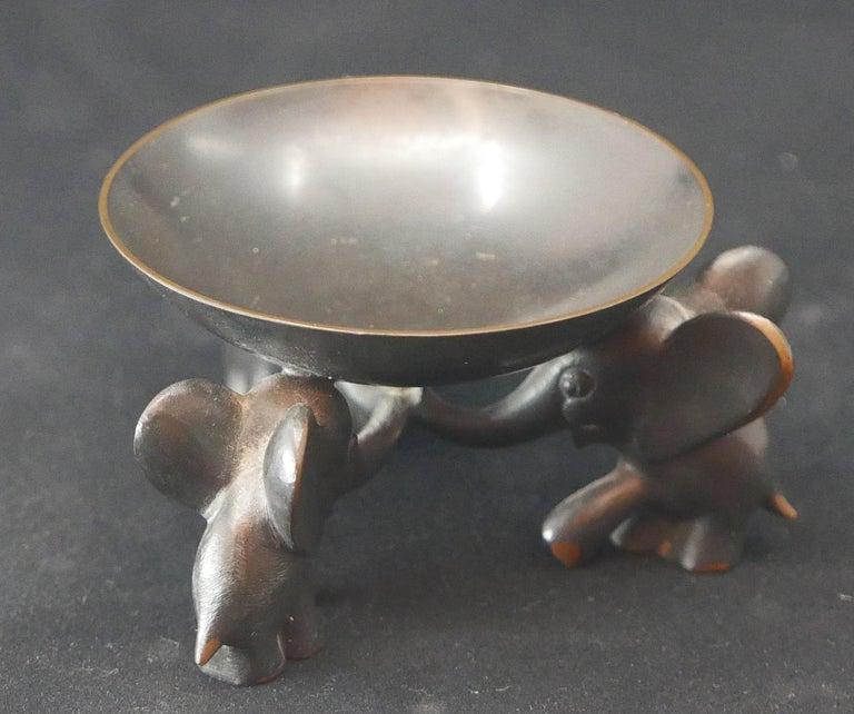 Richard Rohac Small Elephant Pedestal Bowl In Good Condition For Sale In Kilmarnock, VA