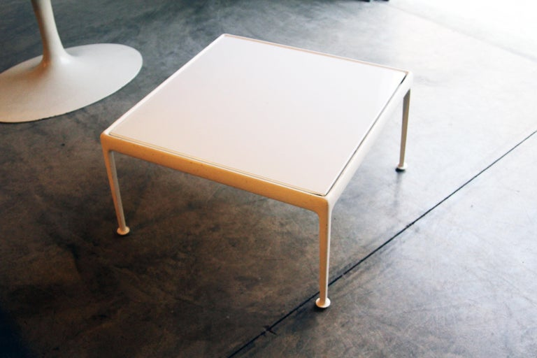 Richard Schultz for Knoll 1966 Series White Coffee Table For Sale 4