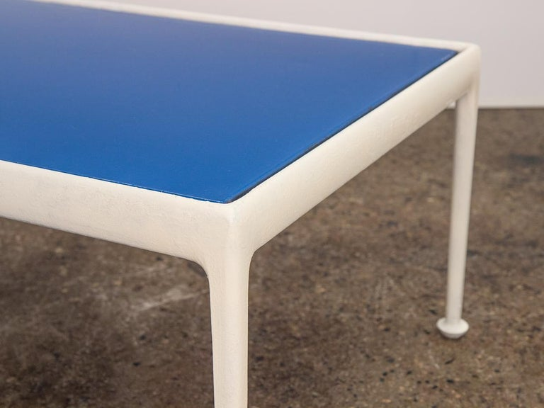 Richard Schultz for Knoll Blue Coffee Table In Good Condition For Sale In Brooklyn, NY