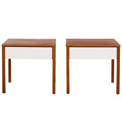 Richard Schultz Pair of Knoll End Tables or Nightstands