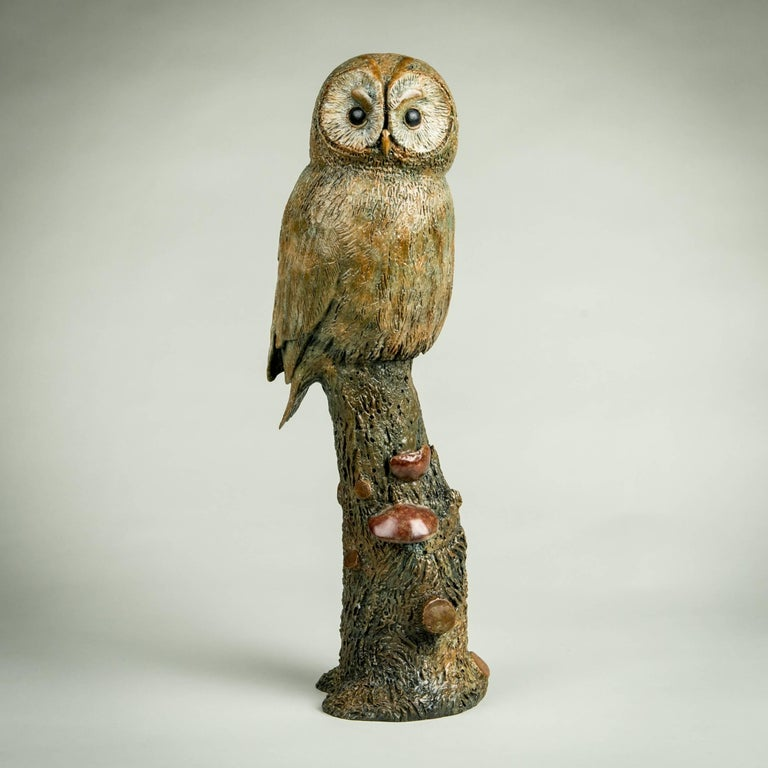 'Tawny Owl' is so full of character, you feel he's about to fly from his perch as you look at him. Richard Smith, a part-time gamekeeper, communicates his love and knowledge of animals with each sculpture he creates - a true master in his