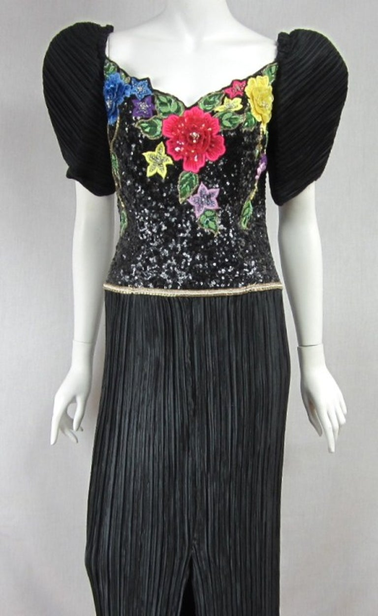 Richilene Black Floral Sequined Sculptured Gown 1990s In Good Condition For Sale In Wallkill, NY