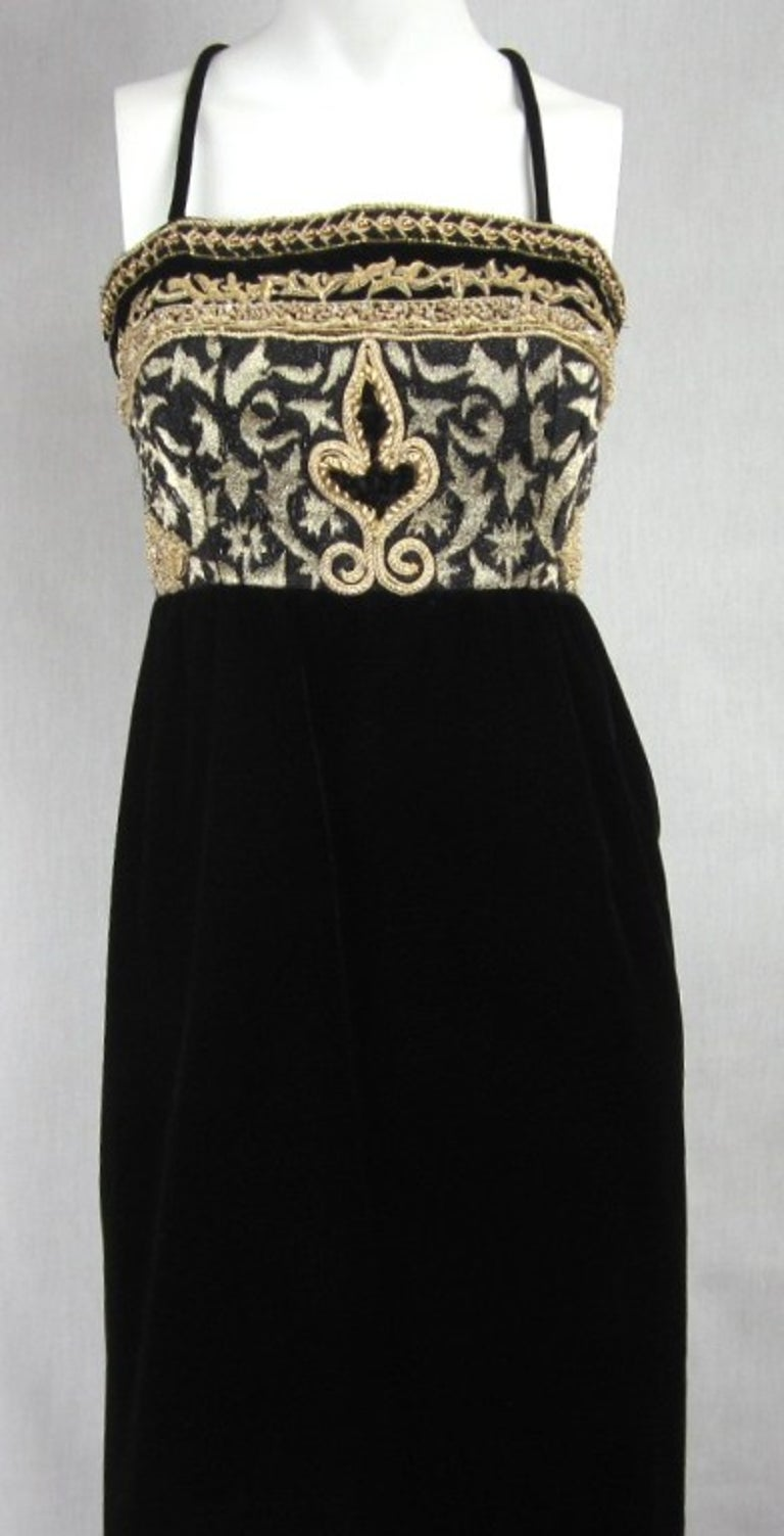 Richilene Black Gold Fleur De Lis Gown 1980s  In Good Condition For Sale In Wallkill, NY
