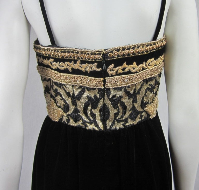 Richilene Black Gold Fleur De Lis Gown 1980s  For Sale 4