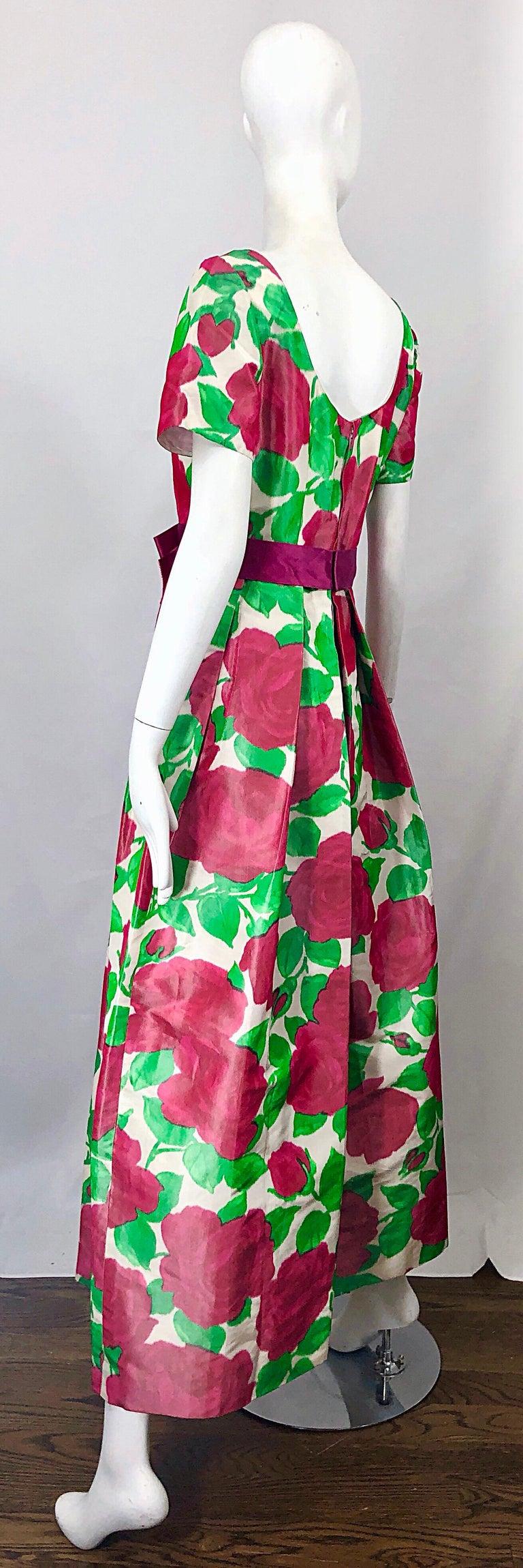 Richilene Vintage Beautiful Silk Taffeta 3D Rose Print Short Sleeve Couture Gown For Sale 6
