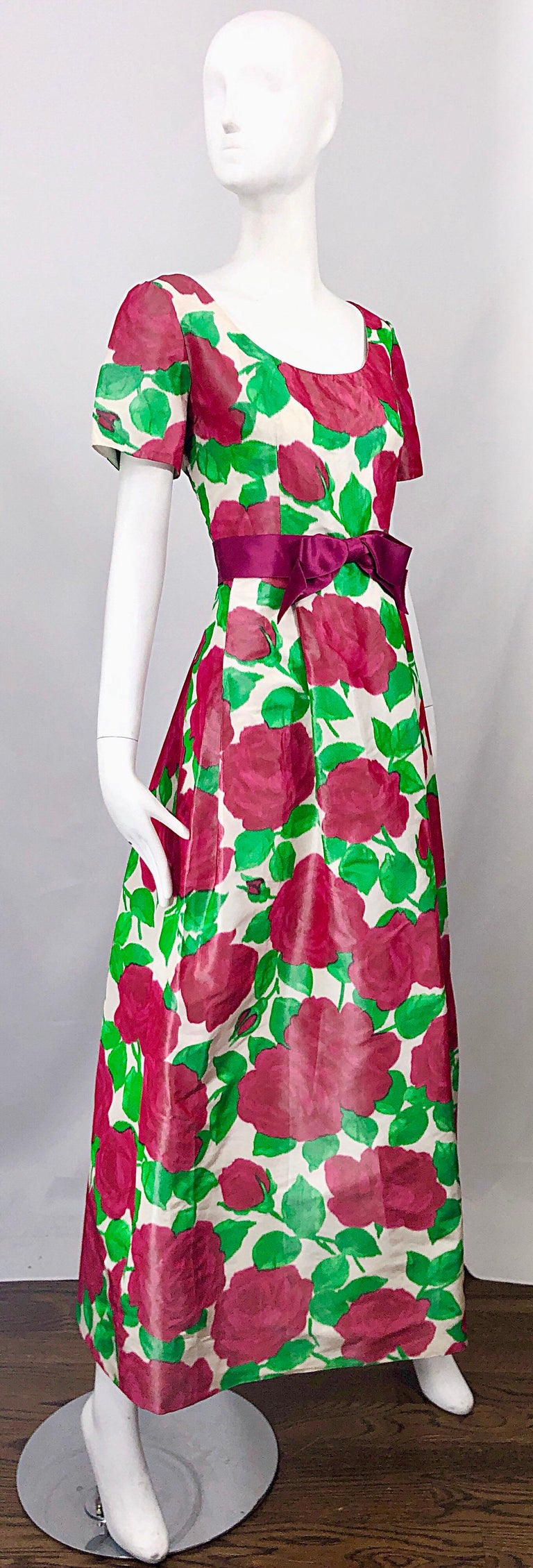 Richilene Vintage Beautiful Silk Taffeta 3D Rose Print Short Sleeve Couture Gown For Sale 7