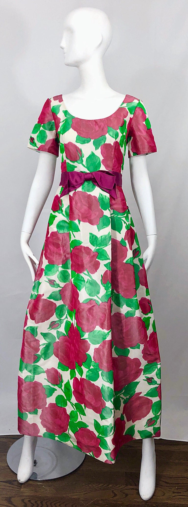 Richilene Vintage Beautiful Silk Taffeta 3D Rose Print Short Sleeve Couture Gown For Sale 9