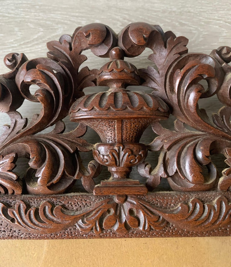 Richly Carved Baroque Revival Italian Picture Frame with Scrolling Leaves & Vase For Sale 2