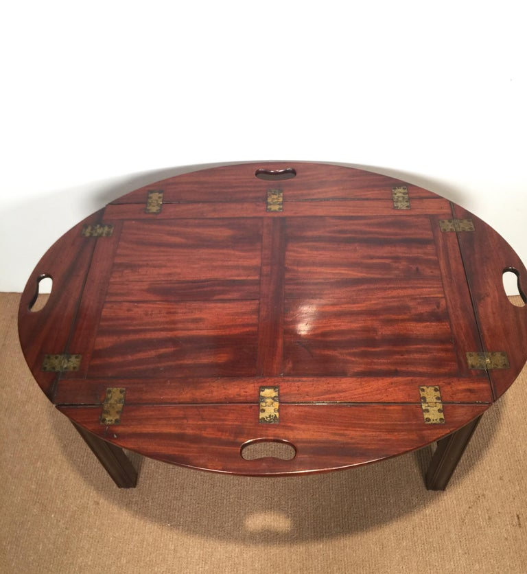 Richly Figured Mahogany Warm Patina Antique Butlers Tray on a Later Base In Good Condition In Lambertville, NJ