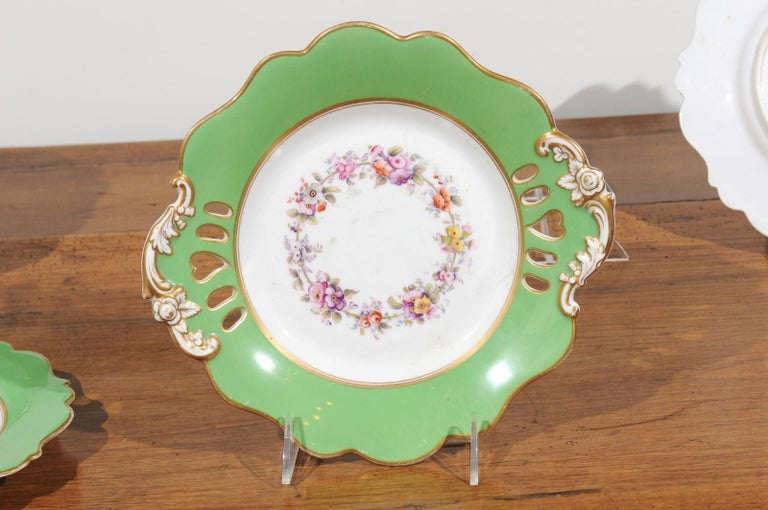 Ridgway Porcelain Dinner Plates and Compote with Green Rim and Floral Décor For Sale 5
