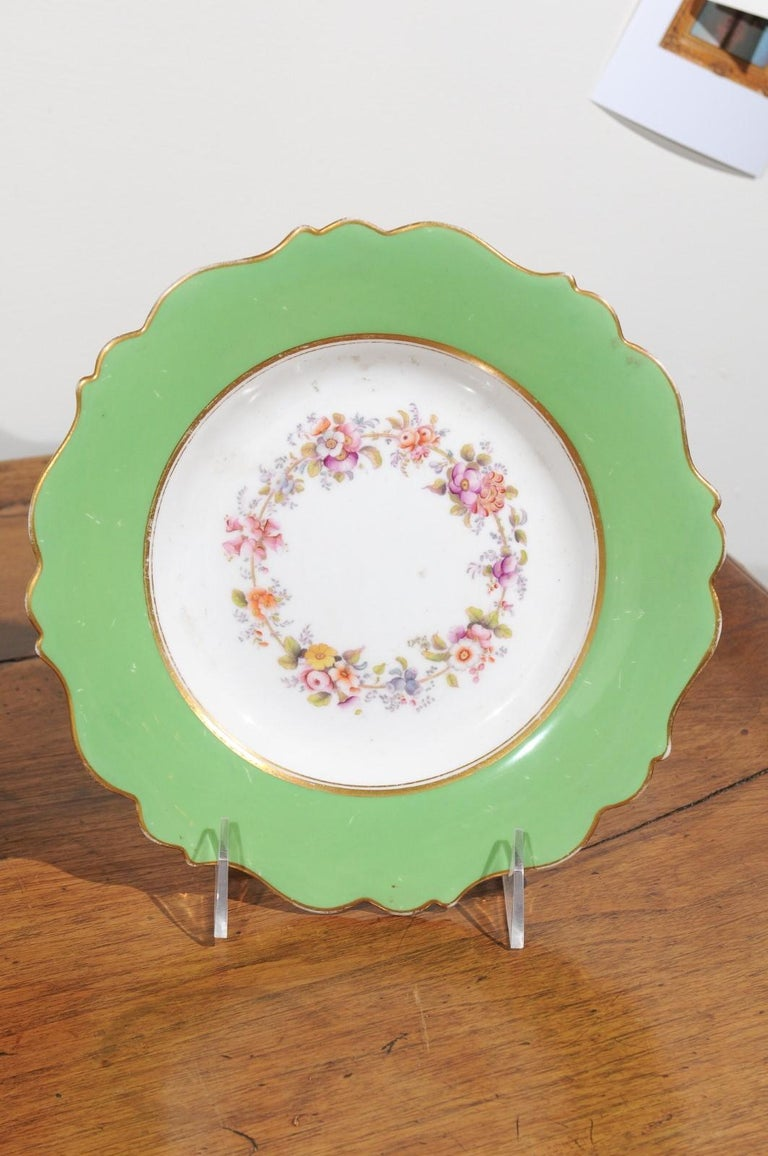 Ridgway Porcelain Dinner Plates and Compote with Green Rim and Floral Décor For Sale 1