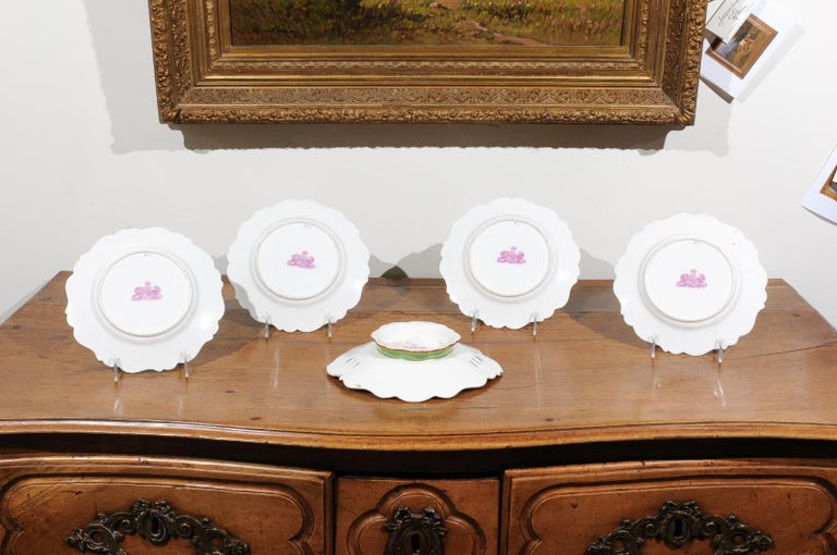 Ridgway Porcelain Dinner Plates and Compote with Green Rim and Floral Décor For Sale 2