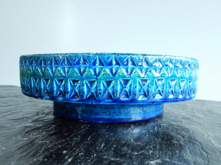 'Rimini Blu'series Ceramic Bowl by Aldo Londi Rimini for Bitossi, Italy, 1960s In Good Condition For Sale In Steenwijk, NL
