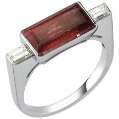 Ring 0.40 Carat Baguette Cut Diamond 3.70 Carat Tourmaline 4.38 gr 14 Karat Gold